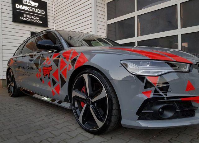 Reklama na samochodach Audi A6 Zdrowa Krowa