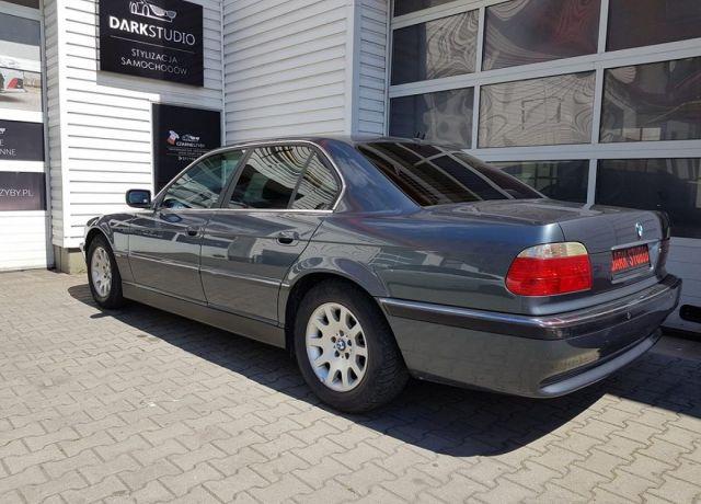 Bezinwazyjne przyciemnianie szyb BMW E38