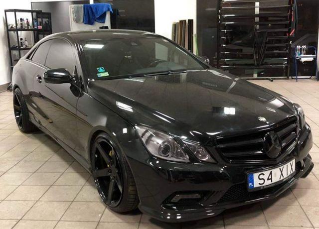 Bezinwazyjne przyciemnianie szyb Mercedes E Coupe - Stylizacja