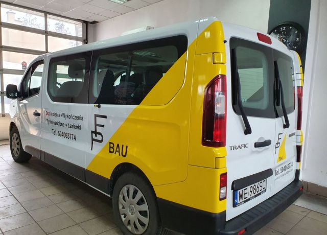 Reklama na samochodach Renault Trafic